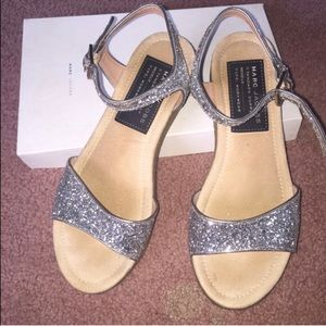 Brand new Marc jacobs silver sequin sandals 8